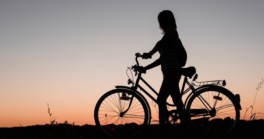 Be Safe Be Seen: Safety Tips when Cycling