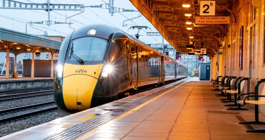 Trains travel on electric power from London to Cardiff for the first time